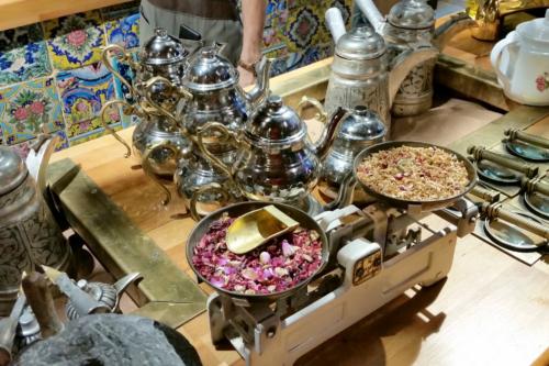 Чайная стойка в тегеранском ресторане.