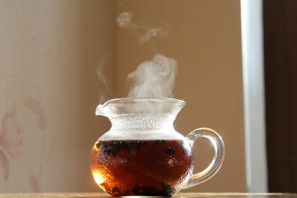 Темный и выдержанный чай Ладонь Будды.