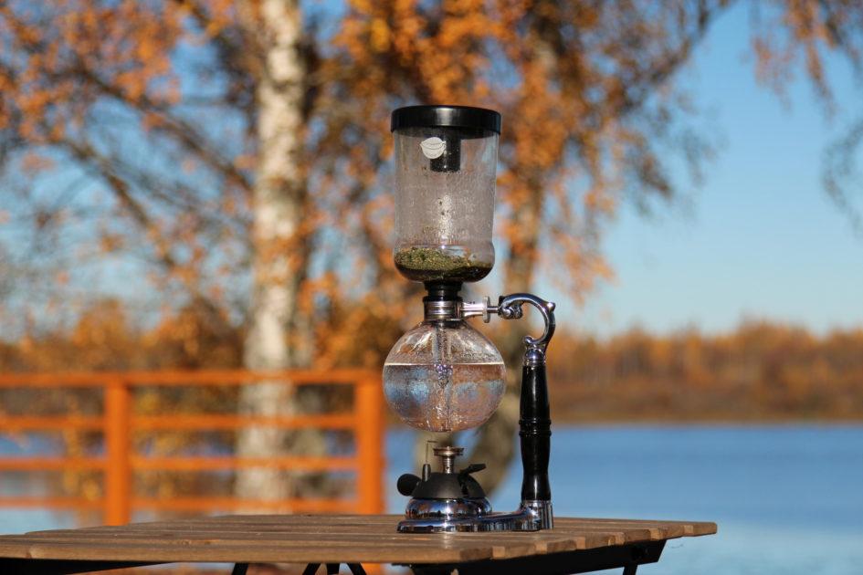 Чайный сифон (Самовар Хорольского) осенью в Пушкинских Горах.