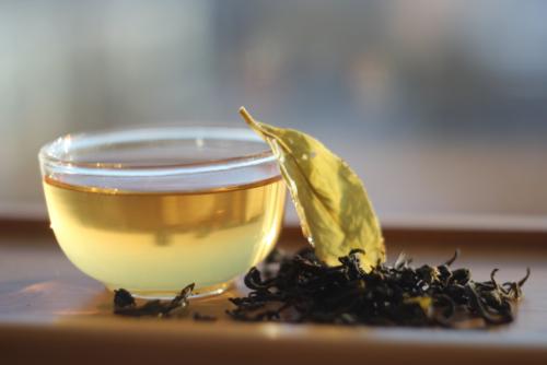 Желтый чай из Камелии формозской (Тайвань).