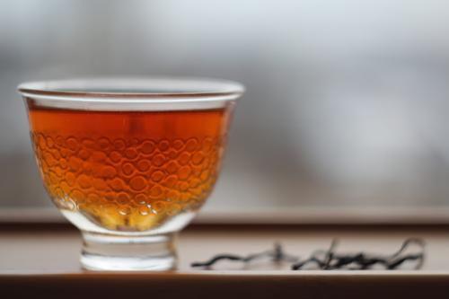 Высокогорный Рубиновый чай естественной скрутки. Алишань (Тайвань).