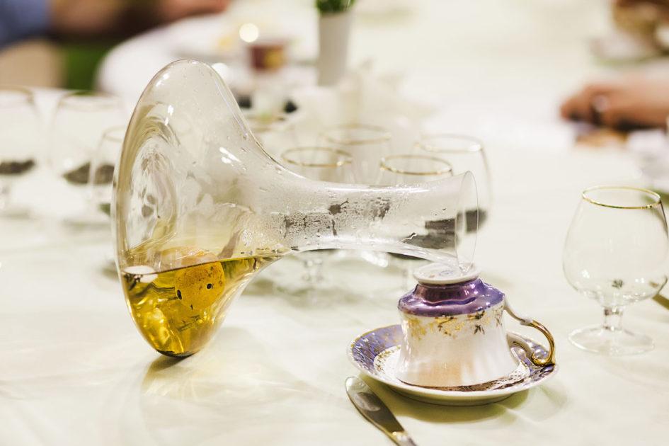 Хубейский выдержанный чай в мандарине, завариваемый в декантере.
