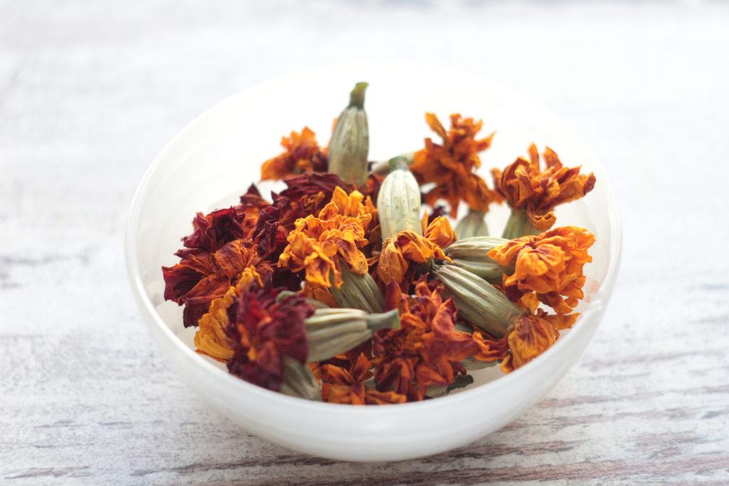 Сушеные цветки бархатцев