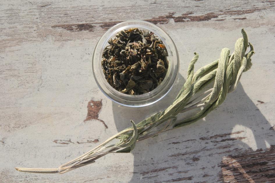 Зеленый иранский чай и шалфей лекарственный