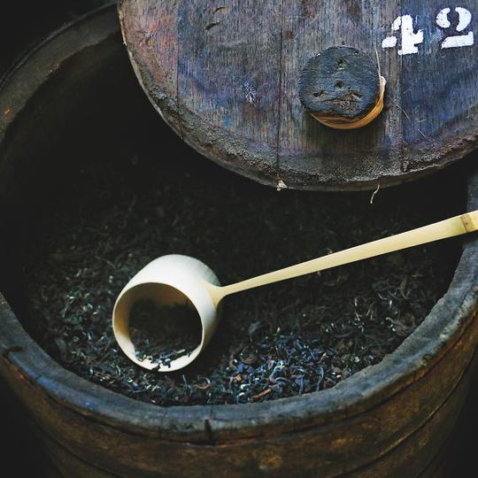 Чай в портвейновой бочке. Фото: rareteacompany.com