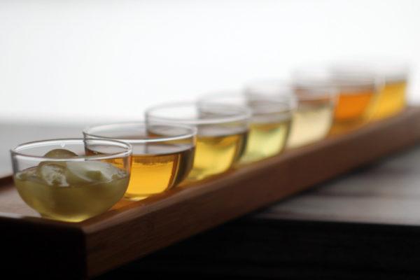 Зеленый чай с разными добавками через 36 часов после заваривания. © Ольга Никандрова