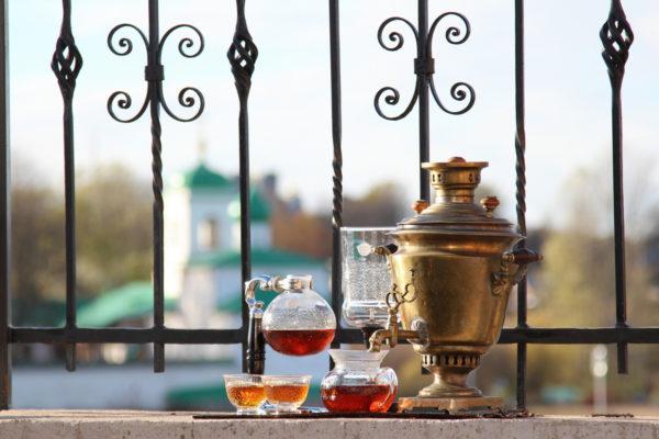 Псков — вообще отличное место для чаепитий. В том числе и для стилизованных. © Ольга Никандрова