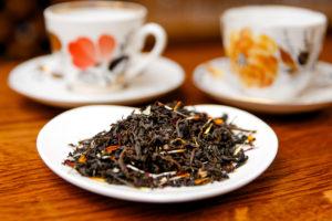Черный чай с бархатцами. Фото: Гостевой дом «У Покровки»