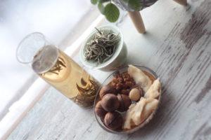 Непальский белый чай с орехами и сухофруктами. © Ольга Никандрова