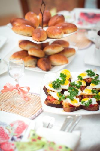 Пирожки и бутерброды. Фото: Гостевой дом «У Покровки»