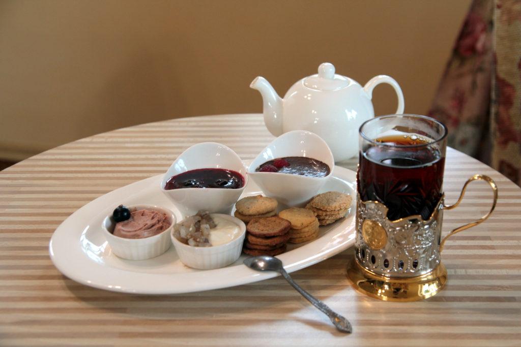 Чай и тизеры. © Ольга Никандрова