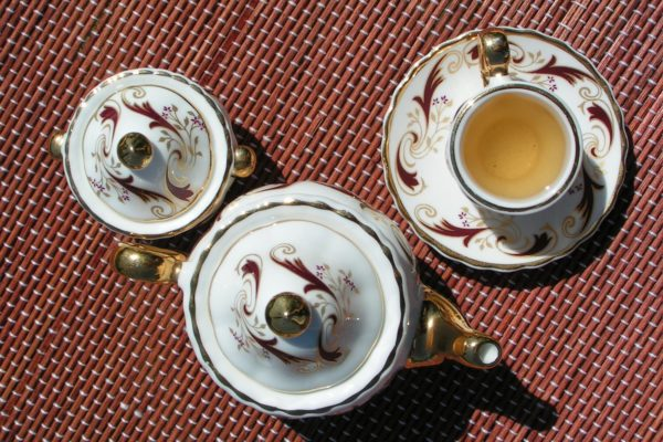 Darjeeling Castleton FF 2008 в миниатюрной посуде. © Ольга Никандрова