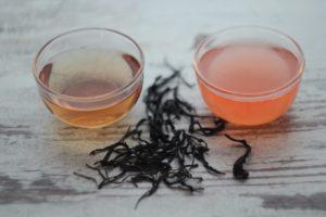 Кенийский пурпурный чай просто так и с лимоном. © Ольга Никандрова