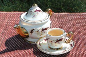 Дарджилинг в миниатюрном чайном сервизе. © Ольга Никандрова